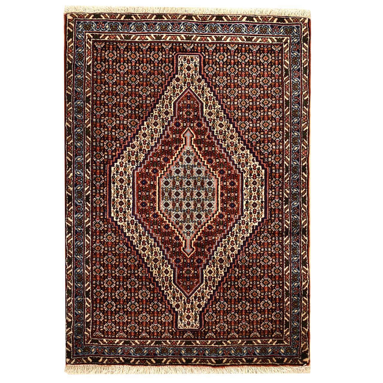 فرش دستبافت یک متری طرح ترنج