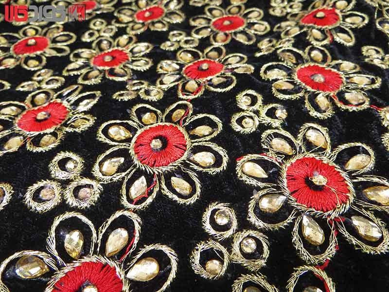 جلیقه زنانه سنتی کردستان طرح گلدوزی رنگ قرمز- طلایی