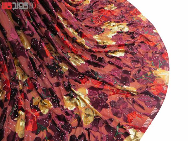 پارچه لباس زنانه مخمل سنگ دار رنگ قرمز 2 متری