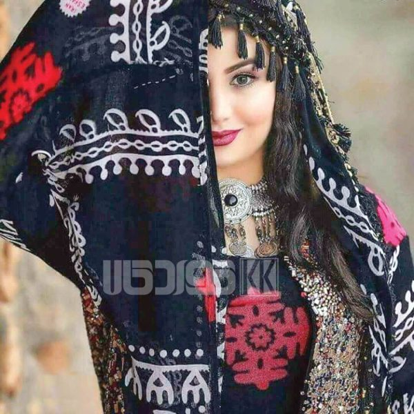 روسری منگوله دار سنتی کردستان مشکی- قرمز 1.5 متری
